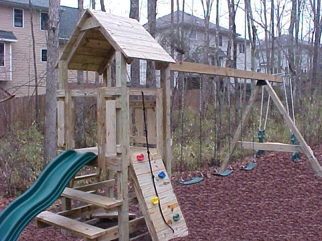 This Challenger Set Includes The 8u0027 Slide, Lunch Counter, Rock Wall With Climbing  Rope, Ladder, 3 Swings, Sandbox, And Glider.
